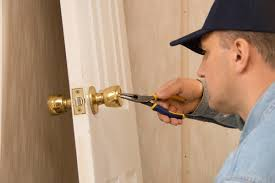 Lock repair Reseda