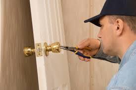 Lock repair Reseda